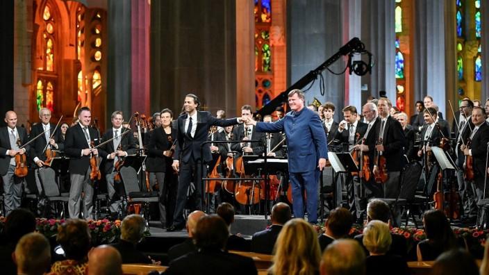 Reinhard Brembecks Kritik von Christian Thielemann in der Sagrada Familia