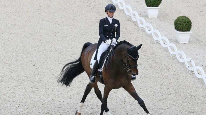 Jessica von Bredow-Werndl (GER) mit Ihrem Pferd Ferdinand BB, Preis der Familie Tesch Grand Prix CDIO5* - 1. Wertungspr