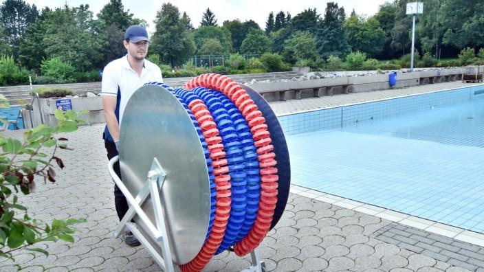 Fürstenfeldbruck: Kevin Freund ist Meister für Bäderbetriebe und macht das Germeringer Freibad winterfest.