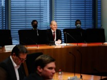 Kanzlerkandidat Scholz: Vor dem Finanzausschuss statt im Wahlkampf