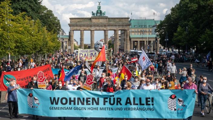 Demonstration gegen hohe Mieten in Berlin