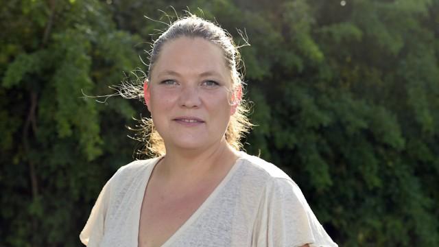 """Bundestagswahl im Landkreis München: """"Und dann kostenfreier ÖPNV für alle. Dann ist der öffentliche Nahverkehr auch wirklich attraktiv und eine Alternative,"""" meint Katinka Burz, 40, für die es die erste Bundestagskandidatur für die Linkspartei ist."""