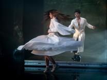 """Thalia-Theater: """"Die Jakobsbücher"""": Fremd und frei"""