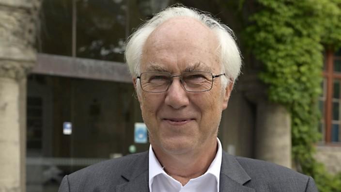 Kriminalität: Der langjährige Leiter der Forensik in Haar, Herbert Steinböck, gilt als Menschenfreund.