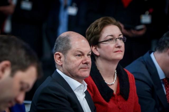 DEU, Deutschland, Berlin, 06.12.2019: SPD-Bundesparteitag, Olaf Scholz, Bundesminister der Finanzen und Klara Geywitz,