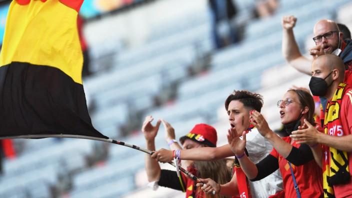 Beim Fußball, etwa der Europameisterschaft in diesem Sommer, versammeln sich die Belgier leichter unter ihrer gemeinsamen Flagge als in der Politik.