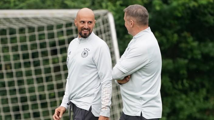 U21-Trainer Antonio di Salvo und Stefan Kuntz