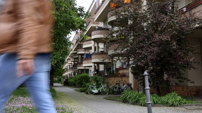 Deutsche Wohnen SE Apartments as Vonovia Agrees $23 Billion Takeover