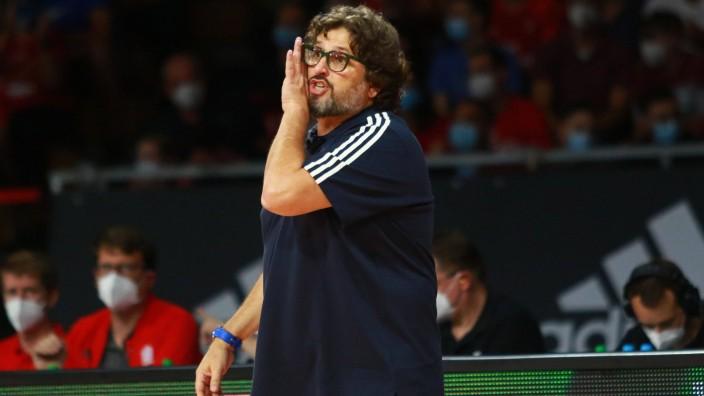 Trainer Andrea Trinchieri (FCBB) Basketball, Magenta Cup, FC Bayern Basketball - Roter Stern Belgrad im Audi Dome am 12; Trinchieri