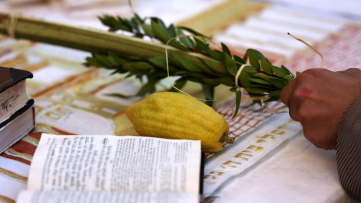 Jüdisches Erntedankfest: Sukkot dauert vom 15. bis 21. Tag des Monats Tischri im jüdischen Kalender und beginnt fünf Tage nach dem Versöhnungstag Jom Kippur.