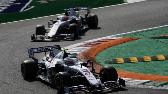 Formula 1 2021: Italian GP AUTODROMO NAZIONALE MONZA, ITALY - SEPTEMBER 12: Mick Schumacher, Haas VF-21, leads Nikita M