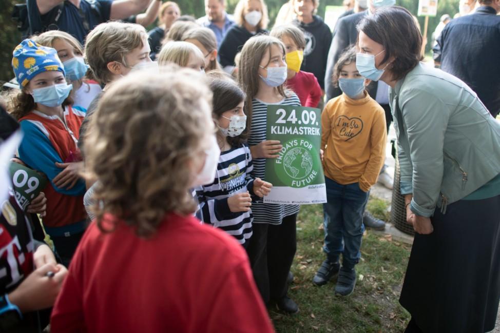 Fridays for Future: Annalena Baerbock beim Klimastreik in Köln 2021