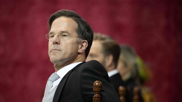 Krise: Premier Mark Rutte sonnt sich in der traditionellen Lobesrede von König Willem-Alexander.