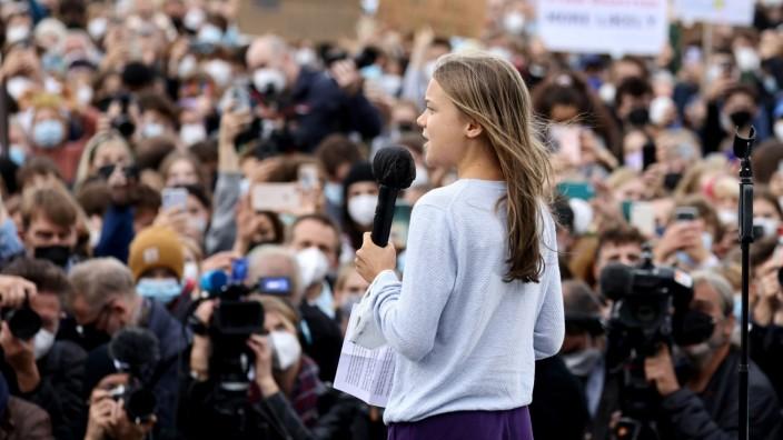 """Demonstration von """"Fridays for Future"""" in Berlin - zusammen mit Greta Thunberg."""
