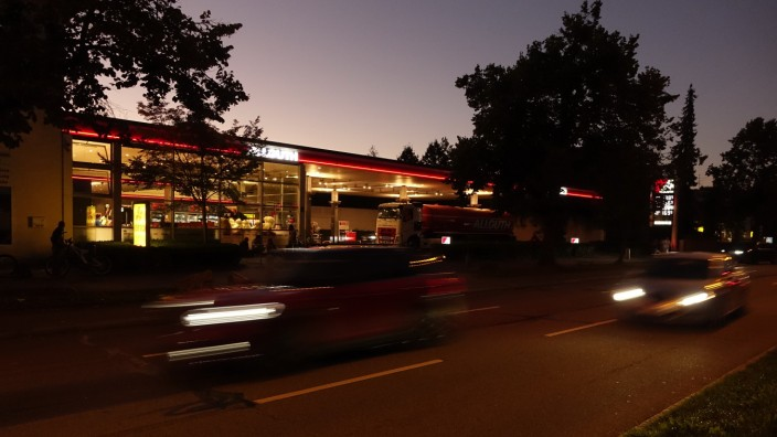 Allguth Tankstelle, München, 2021