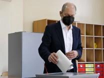 Bundestagswahl: Laschet und Scholz wählen