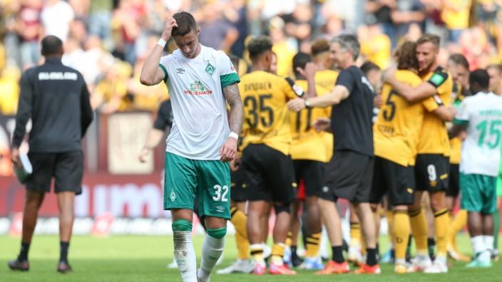 26.09.2021, xtgx, Fussball 2. Bundesliga, SG Dynamo Dresden - SV Werder Bremen emspor, v.l. Marco Friedl (Bremen, 32) e