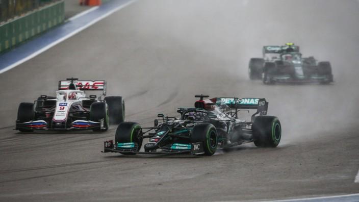 44 HAMILTON Lewis (gbr), Mercedes AMG F1 GP W12 E Performance, action during the Formula 1 VTB Russian Grand Prix 2021,
