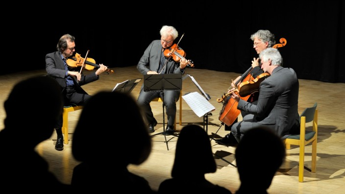 Gilching: CPGymnasium -  Modern String Quartett