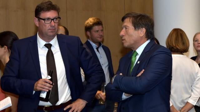 Wahlabend: Martin Bayerstorfer und Max Gotz.