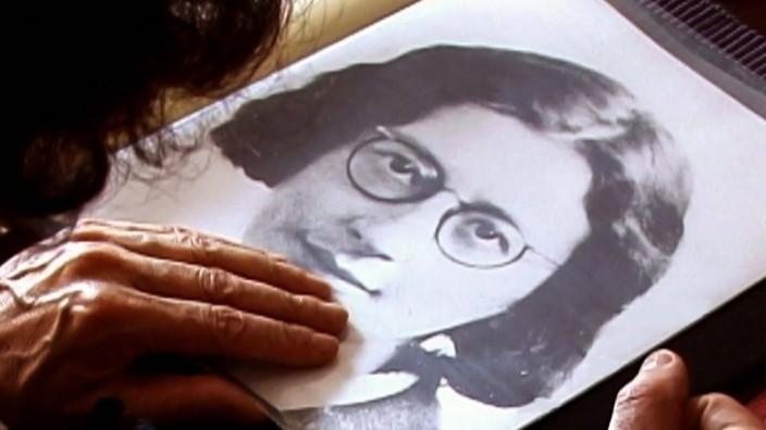 AN ENCOUNTER WITH SIMONE WEIL, Simone Weil, 2010. ph: Thomas Torres Cordova Courtesy Everett Collection !ACHTUNG AUFNAHM