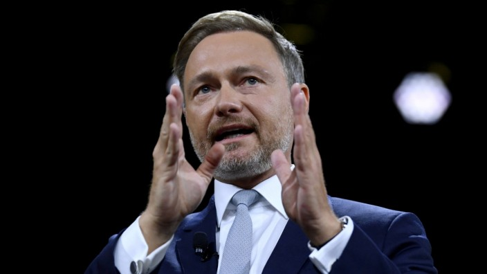 FILE PHOTO: FDP holds party congress one week before general election in Germany