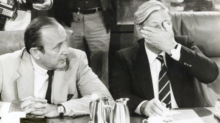 Helmut Schmidt (SPD) und Hans-Dietrich Genscher (FDP) 1982 im Kabinett