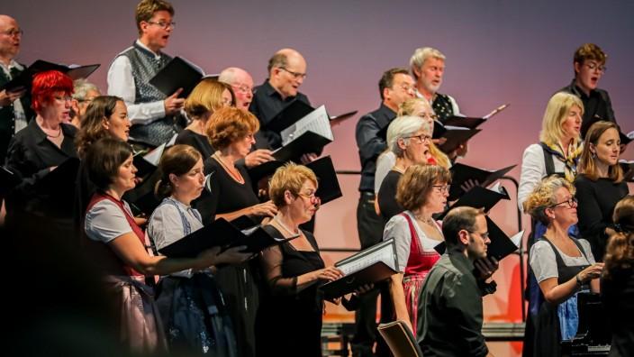 FÜRSTENFELDBRUCK: Konzertmatinee mit Bach-Chor und Bach-Orchester IM VOLKSTON