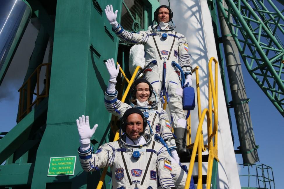 Russisches Filmteam startet mit Sojus-Rakete zur Raumstation ISS