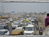 GHAZIABAD, INDIA AUGUST 19: Traffic jam on Delhi-Meerut expressway, on August 19, 2021 in Ghaziabad, India. (Photo by Sa
