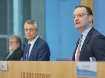 Coronavirus - Pressekonferenz mit Gesundheitsminister Spahn