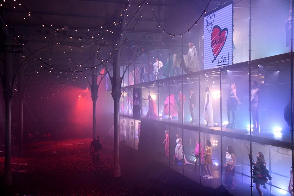 "BESTPIX - 'Love Brings Love' Show âÄ"" In Honor Of Alber Elbaz By AZ Factory - Alternative Views - Paris Fashion Week - Womenswear Spring Summer 2022"