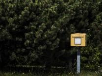 Briefkasten der Deutschen Post, aufgenommen in Horscha, 17.07.2019. Horscha Deutschland *** Deutsche Post mailbox, reco