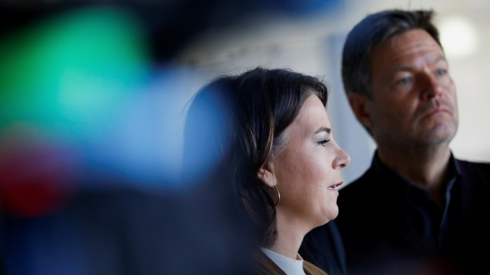 Greens party co-leaders Baerbock and Habeck give a statement, in Berlin