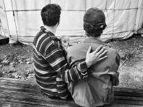Türkiye'den gelen misafir işçiler 60 senedir Almanya'da: Bir anne, iki baba, bir bebek