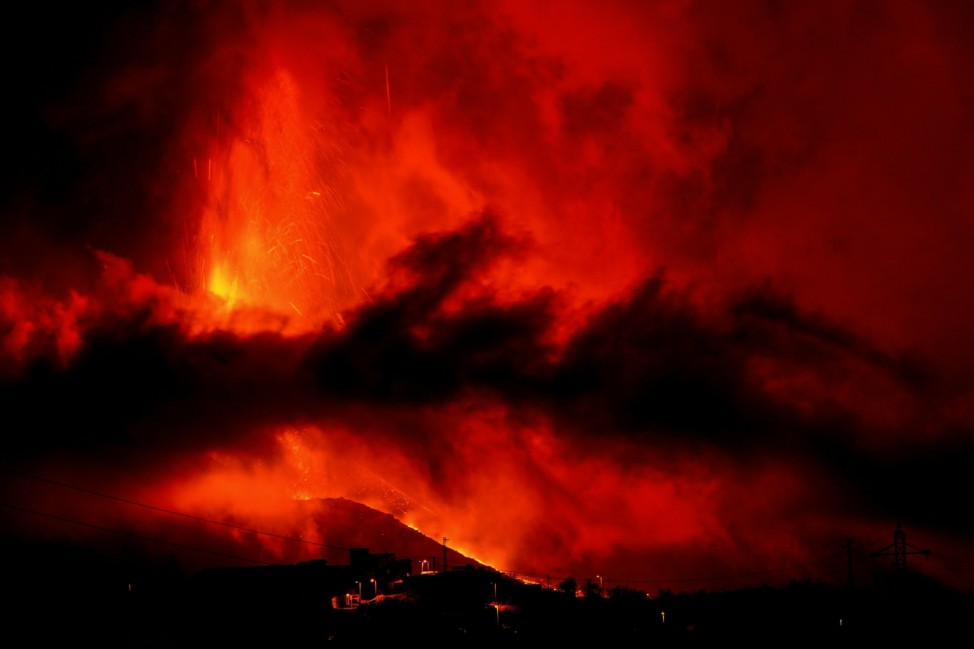 Volcano continues to erupt on Spain's island of La Palma