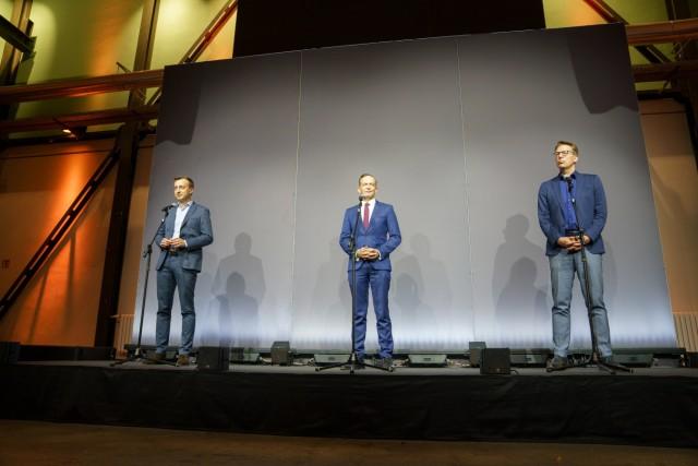 CDU, CSU und FDP führen am Tag der Deutschen Einheit im EUREF-Campusein erstes Sondierungsgespräch zu einer möglichen K