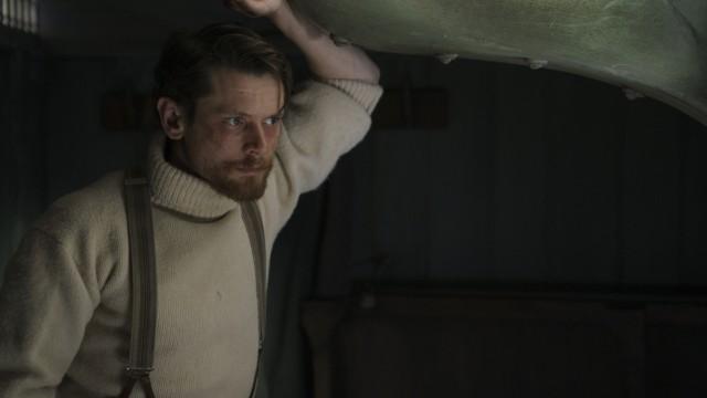 """""""The North Water"""" bei Magenta TV: Feingeist in einer Welt der Kälte und Gewalt: Jack O'Connell als Schiffsarzt Patrick Sumner."""