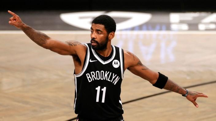 Basketballer Kyrie Irving: Kyrie Irving im Trikot der Brooklyn Nets. Er ist als NBA-Profi nicht geimpft - aber gleichzeitig Vizepräsident der Spielergewerkschaft.