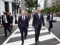 Bundesfinanzminister Olaf Scholz, SPD, (L) und Bruno Le Maire, Finanzminister von Frankreich, (R) aufgenommen bei einem