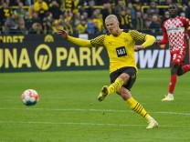 Borussia Dortmund: Cool, cooler, Haaland