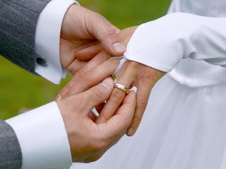 Hochzeit, dpa