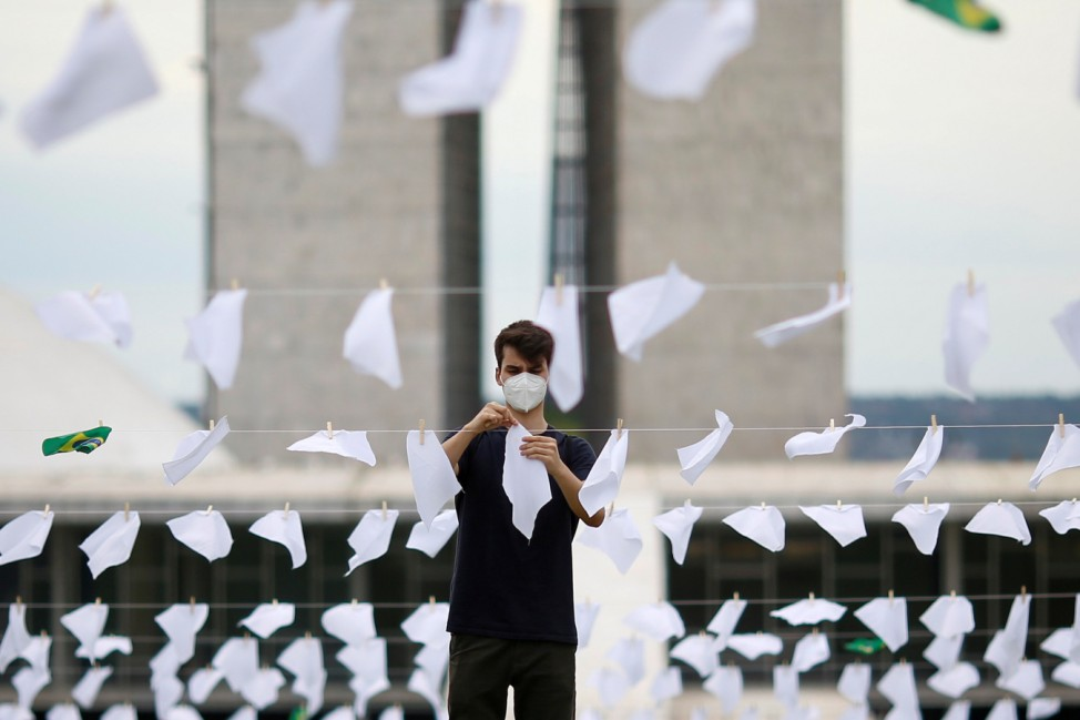 Brazil's NGO 'Rio de Paz' pays tribute to 600,000 COVID-19 victims, in Brasilia