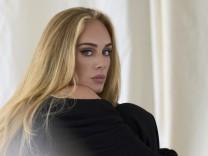 """Leute: Adeles """"wertvollster Besitz"""": ein Kaugummi von Céline Dion"""