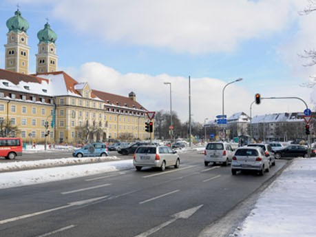 Luise-Kiesselbach-Platz
