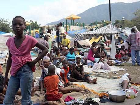 Helfer in Haiti, AFP