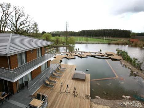 Schwimmteich im Sporthotel Klosterpforte