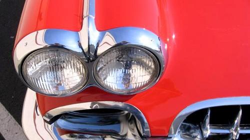 Blech der Woche (13): Chevrolet Corvette C1: Stammt aus einer Zeit, als Autos noch Chrom tragen durften: die Chevrolet Corvette C1 von 1960