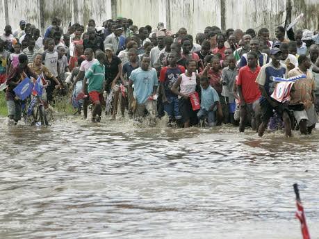 Fackellauf Olympia Tansania Daressalam Reuters