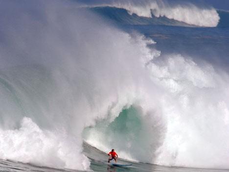 Im Rausch der Wellen: Surfen vor Hawaii, AP